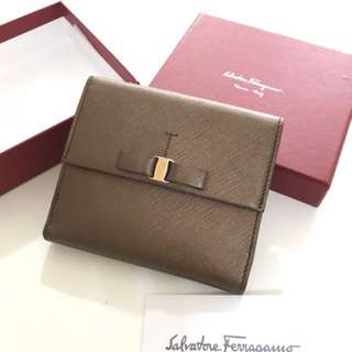 Ferragamo ribbon 🎀 short wallet