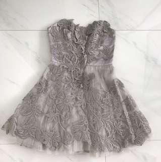Cut label Lace evening dress