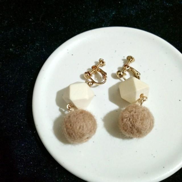 金色韓系幾何毛球耳環 耳夾