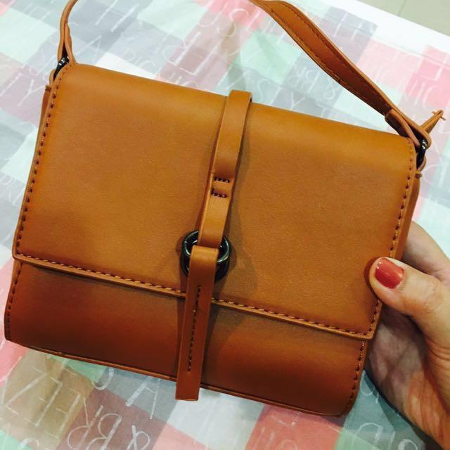 含運 斜背小包包便宜買 咖啡色 棕色