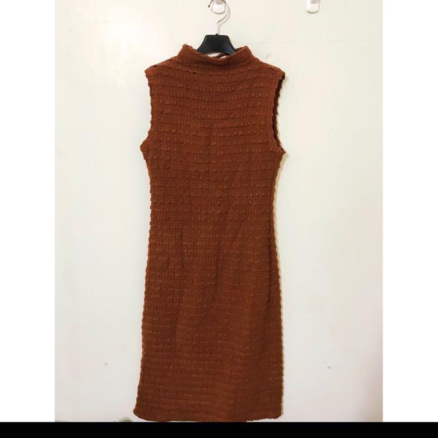 正韓 made in korea 原價2480 質感超級好的 漂亮荷葉洋裝 M可 穿起來氣質款單品喔