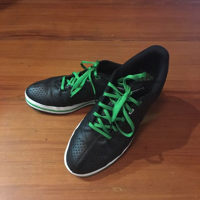 <Adidas> Orig Men's Black Sneakers with Green Lace (Size 9)
