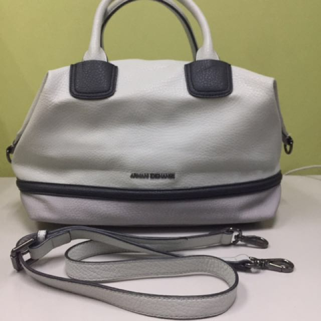 ARMANI EXCHANGE doctors bag; sling bag