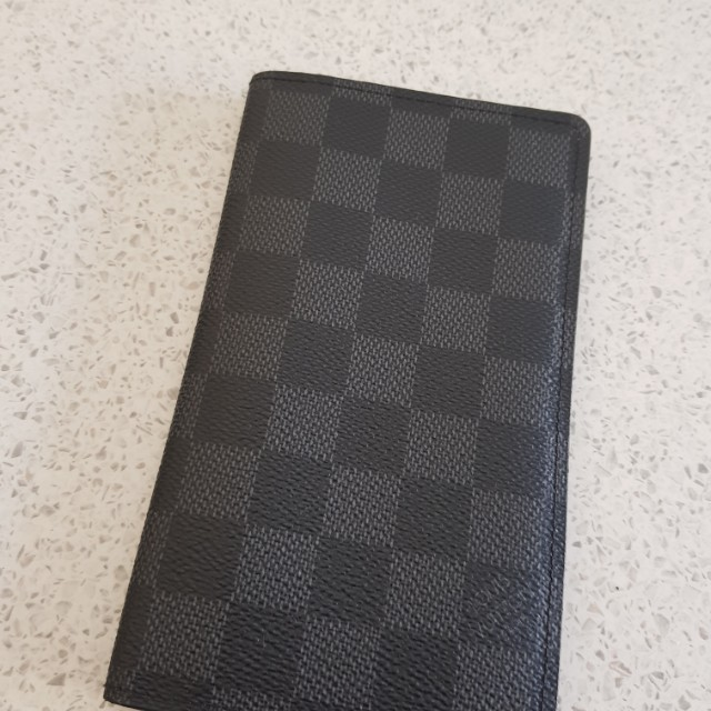 AUTHENTIC - Louis Vuitton wallet