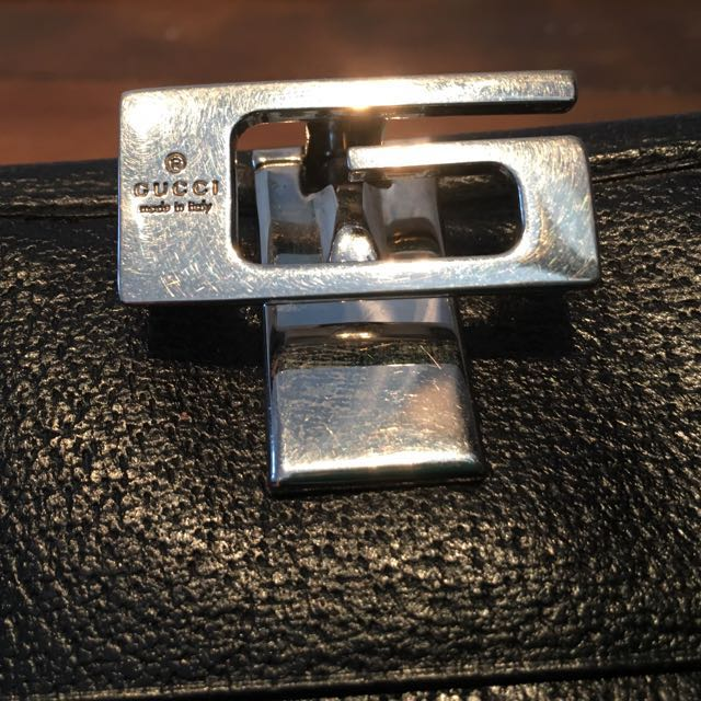 AUTHENTIC Gucci G Buckle Wallet