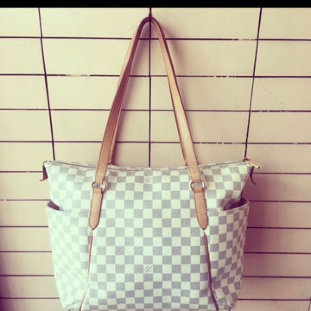 AUTHENTIC LOUIS VUITTON TOTALLY MM AZUR