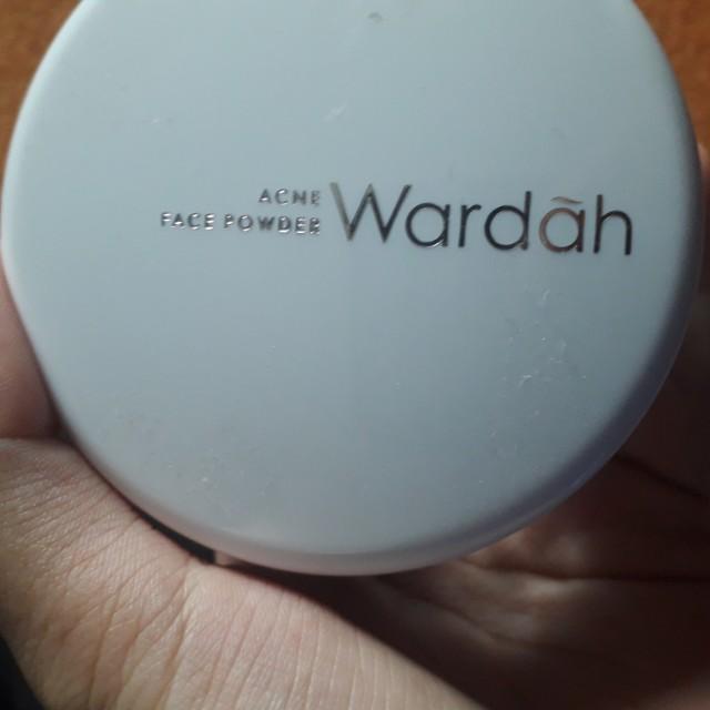 Bedak tabur-WARDAH acne face powder, Health & Beauty, Makeup on Carousell