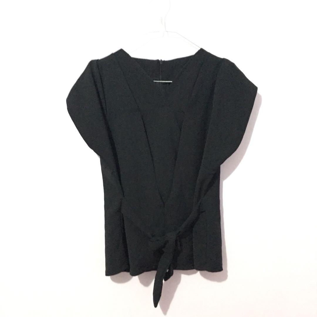 Black knot blouse top