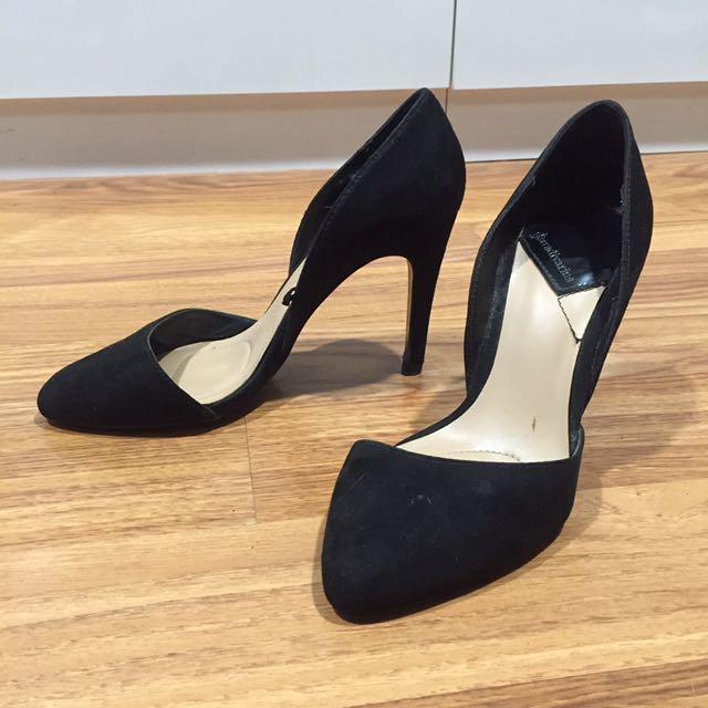 Black stiletto stradivarius heels