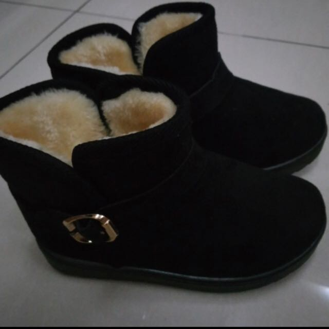 Boots winter anak