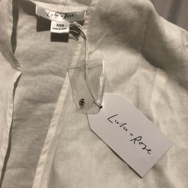 Brand new with tags lulu + rose top