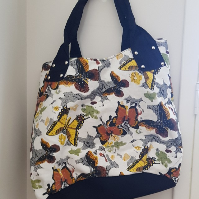 Butterfly print carry bag