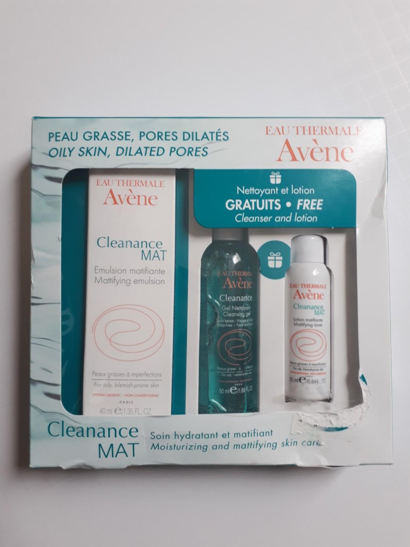 Eau Thermale Avene Cleanance MAT kit