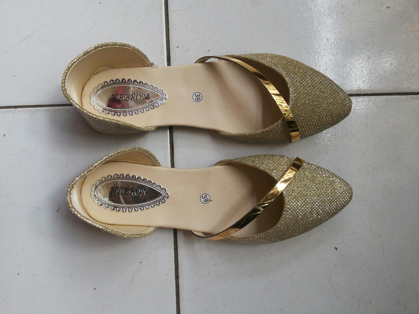 Sepatu / Flat shoes Gold