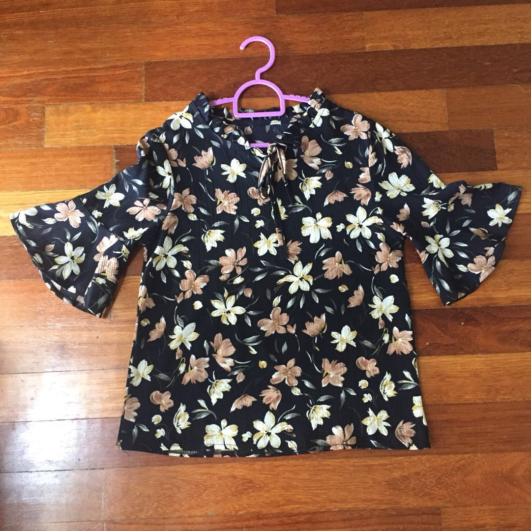 Floral Blouse Tops with Trumpet Sleeve