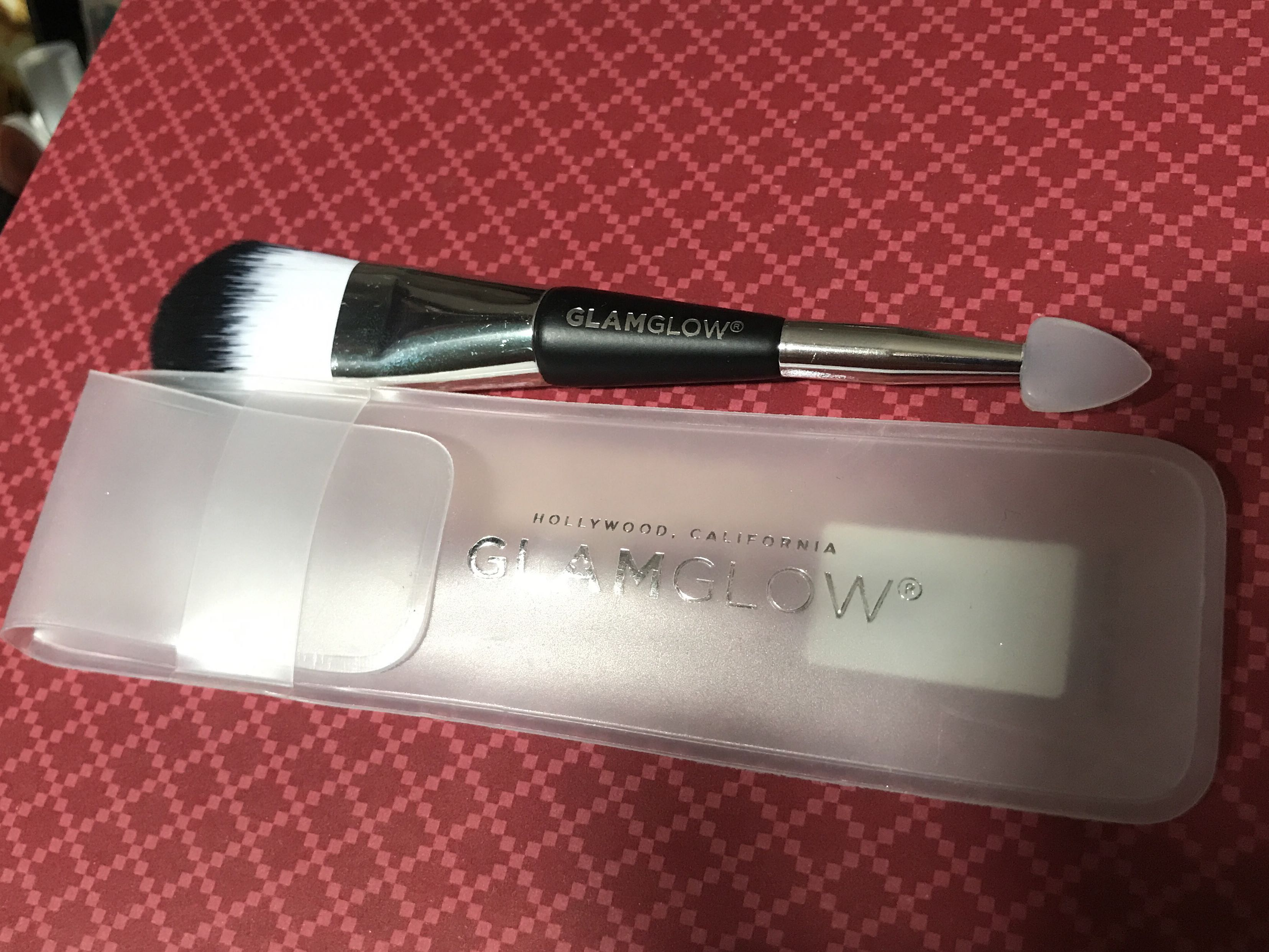 Glam glow mask brush