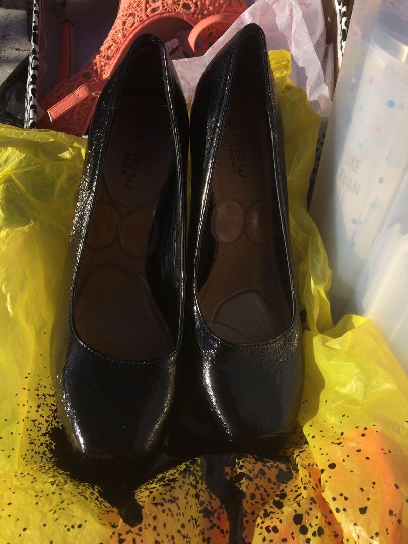Spend-less black snake skin design square heel