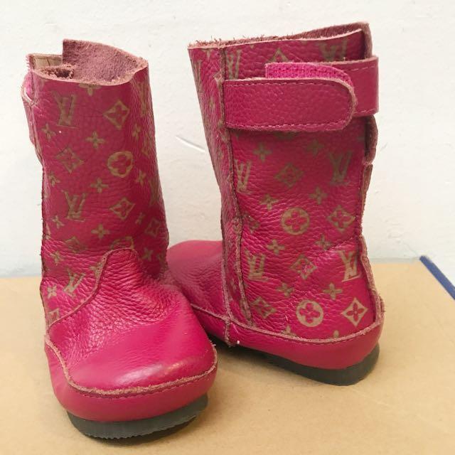 louis vuitton pink boots