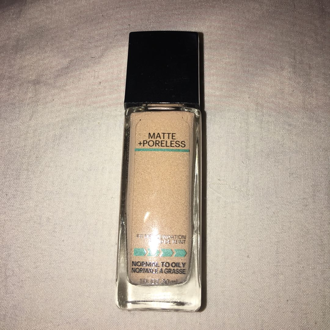 Maybelline Matte Poreless liquid foundation