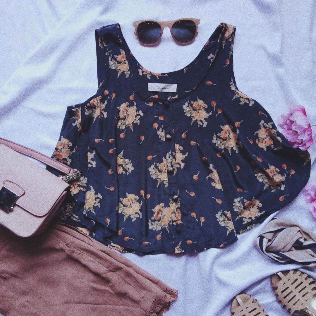 Navy flower crop
