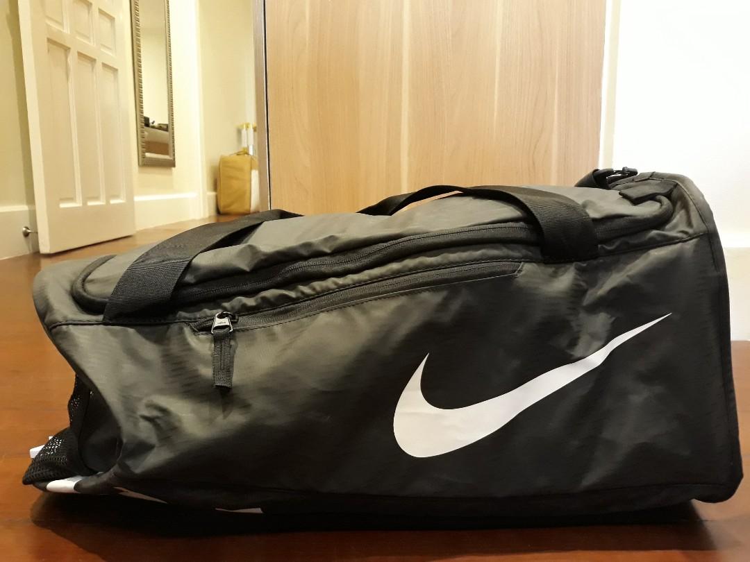 e7364e784a Nike Alpha Adapt Crossbody Duffel Bag Small