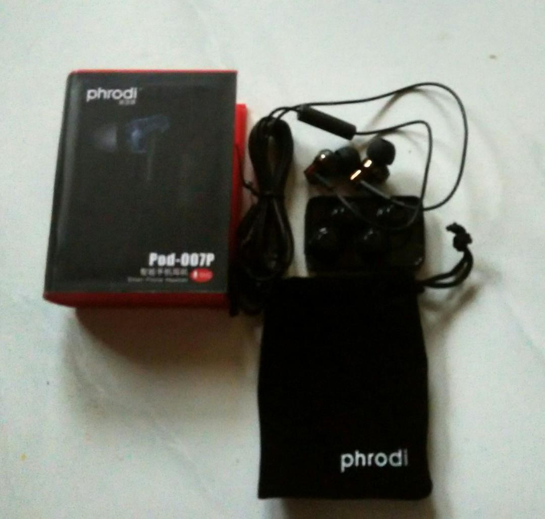 Phrodi 007p With Microphone Elektronik Audio Di Carousell Earphone Mic Pod Bagikan Barang Ini