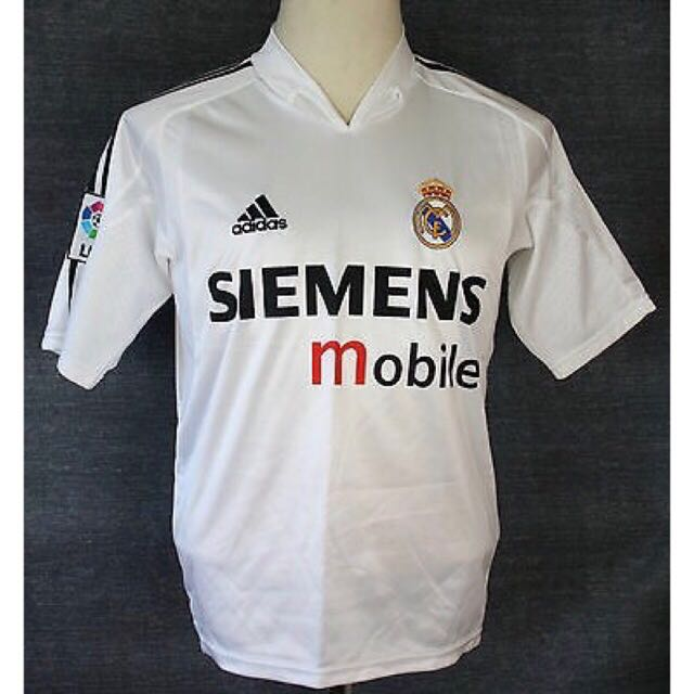 on sale 2bd0f 3d55e Real Madrid retro jersey 2004