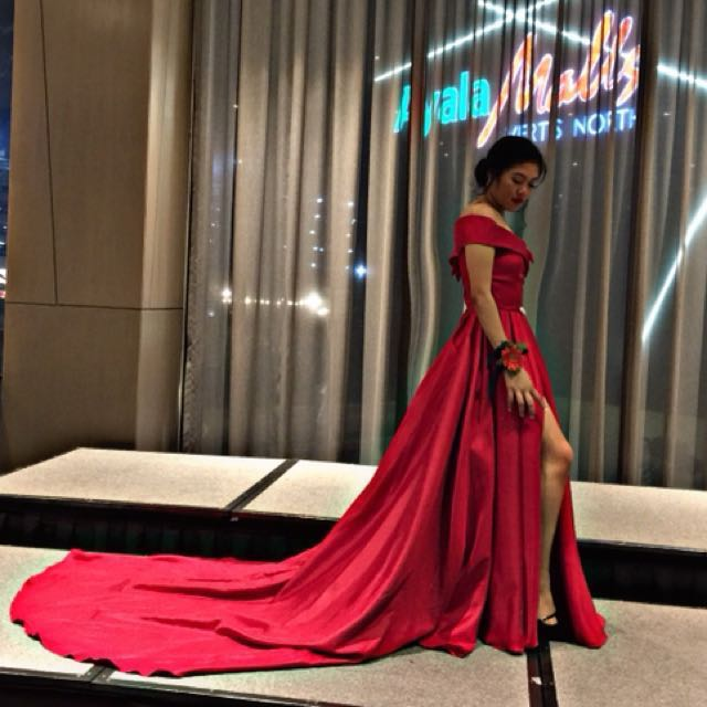 Red Long Gown, Preloved Women\'s Fashion, Clothes on Carousell