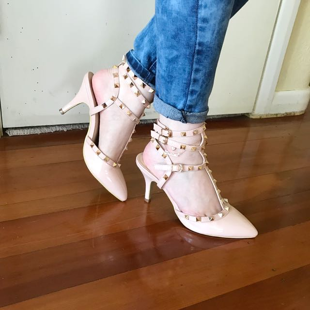 fb0e39a0d79d Size 8 Valentino-look-alikes Studded Fashion Heels