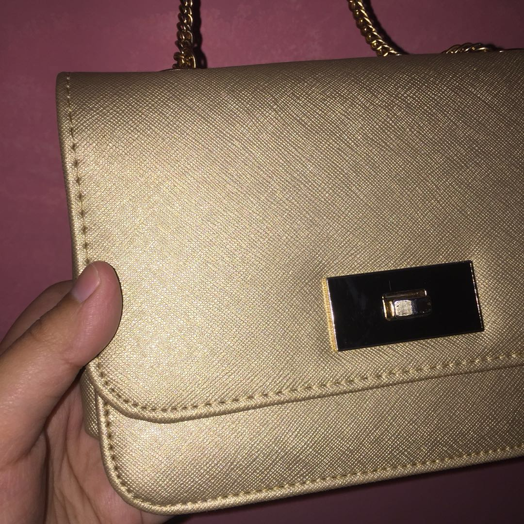SLING BAG GOLD