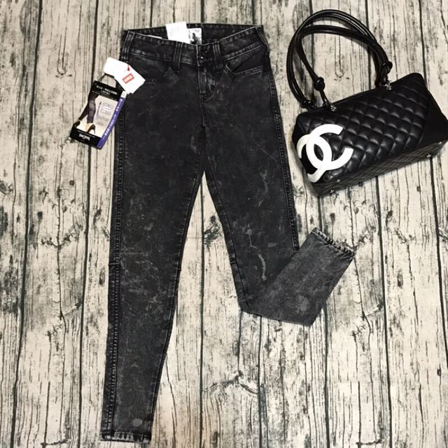 全新愛德恩something女牛仔褲,S號,原價$3090,平量,腰*臀*長cm:30,39,87