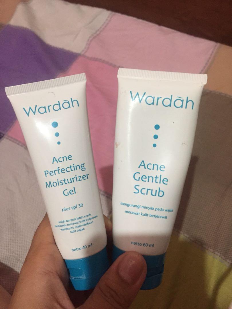 TAKE ALL!!! wardah acne gentle scrub & wardah acne perfecting moisturizer gel, Kesehatan & Kecantikan, Kulit, Sabun & Tubuh di Carousell