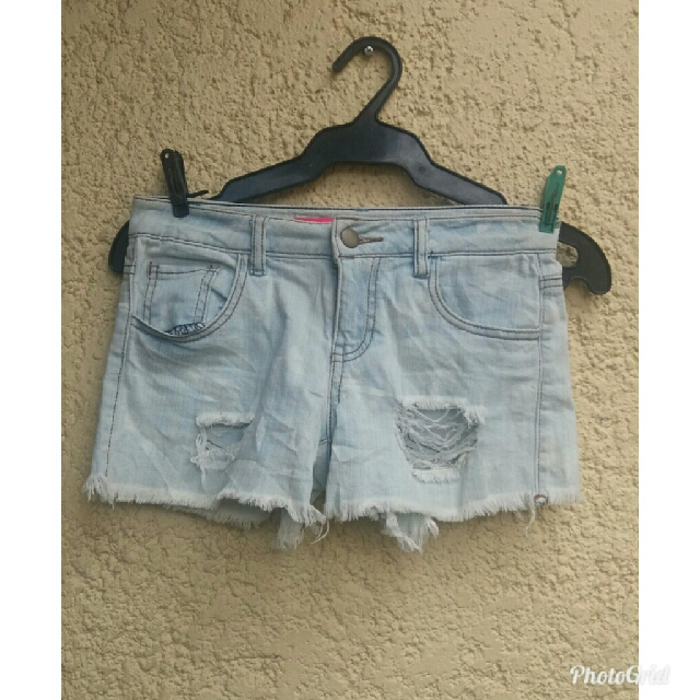 Tinseltown couture ripped faded shorts from Canada