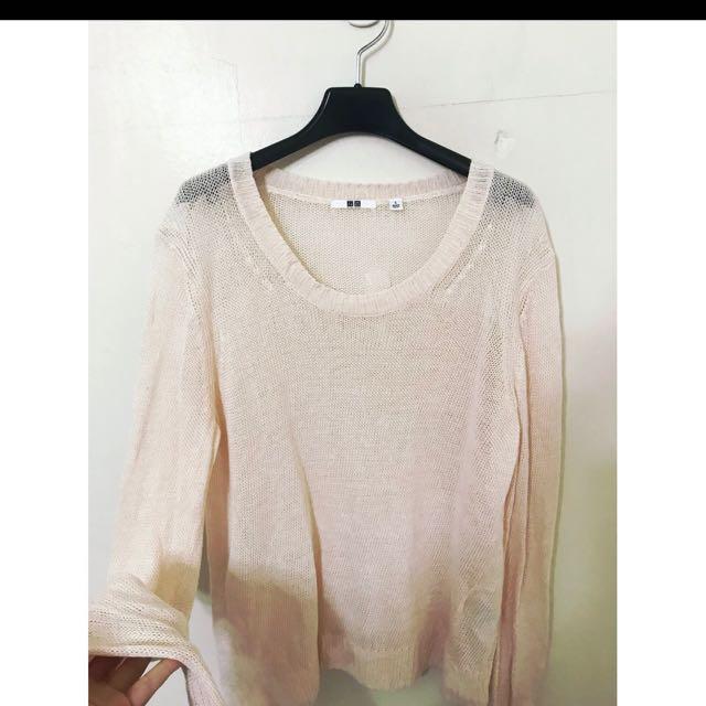 Uniqlo 罩衫式毛衣 超級好看的 簡單搭配就會超級有型喔 L唷