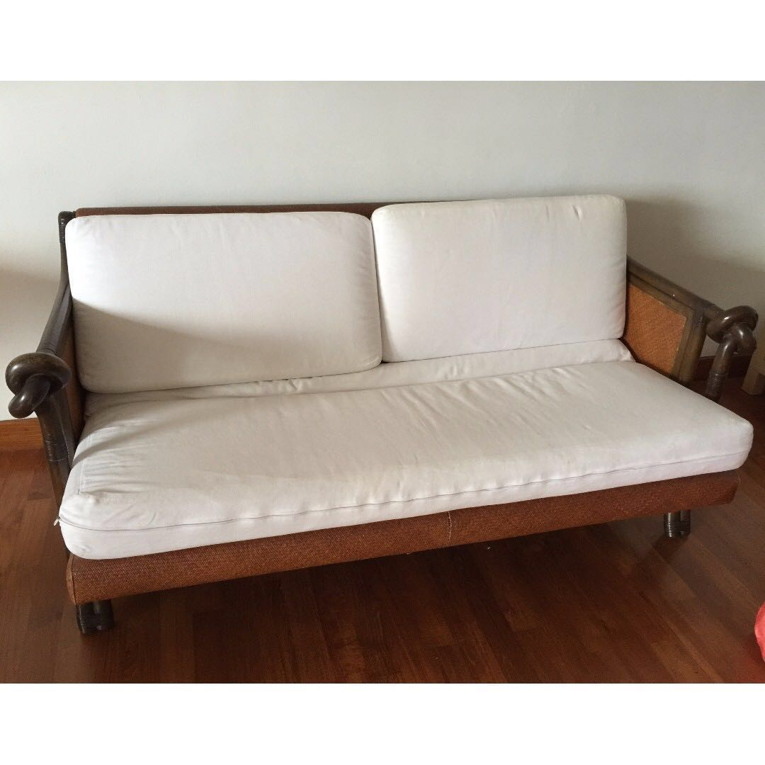 Awe Inspiring Wooden Frame Sofa Furniture Sofas On Carousell Home Interior And Landscaping Mentranervesignezvosmurscom