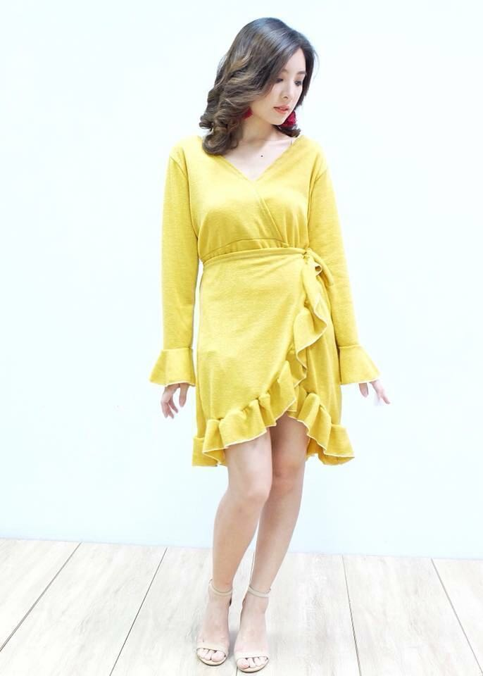 Zara ins. Yellow Knit Wrap Dress