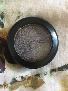 BNIB MAC Pressed Pigment in Black Grape