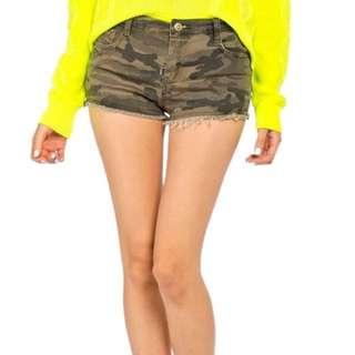 camo jeans shorts