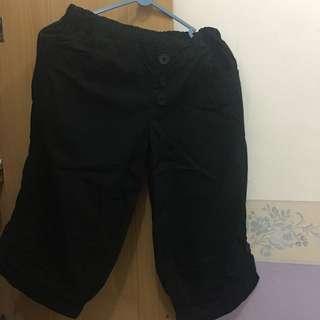 celana hitam selutut