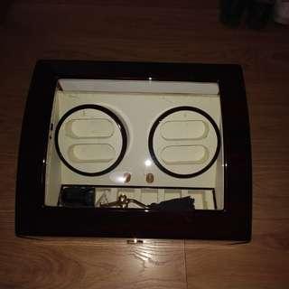 高級電動儲錶盒箱(但已壞了不能轉動)