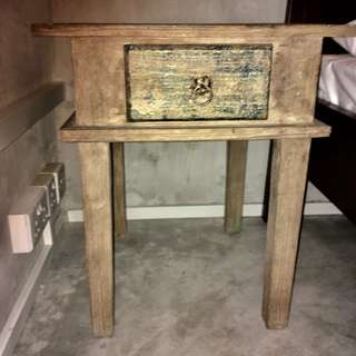 2 Ratro Bed Sida Tables