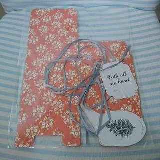 全新 禮物盒2件裝 日系 紅花 自摺正方盒 連絲帶及紙牌 包裝送禮