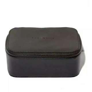 Givenchy 化妝箱