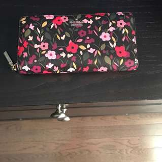 Kate Spade wallet (not outlet)