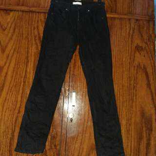 Uniqlo black 98% pekat
