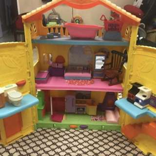 Fisher Price Dora House with Free Accessories
