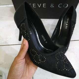 steve&co heels hitam sz 36