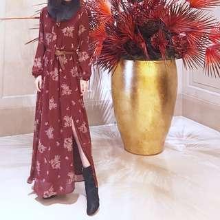 🚚 美國 近全新 腿雙開衩復古印花酒紅色領結綁帶長澎袖洋裝 附襯裙