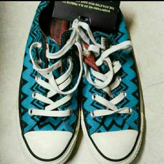 Authentic Converse With/ Free Off shoulder