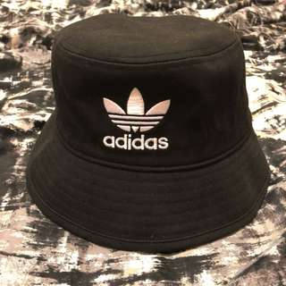 adidas 漁夫帽(黑)近全新